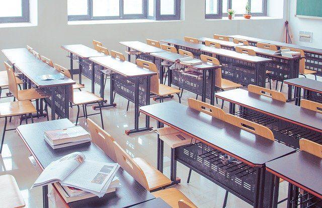 Klassenzimmer parlamentarische Bestuhlung allynet München Düsseldorf