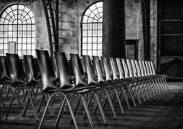 Reihenbestuhlung Kinobestuhlung Theaterbestuhlung allynet München Düsseldorf